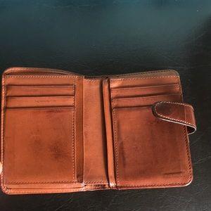 Vintage Coach Kiss Locket Wallet